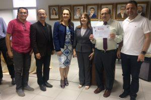 A  Facene/Famene participou  da solenidade de outorga do título de Professor Emérito da UFPB  ao Prof. Dr. Rubens Pinto Lyra