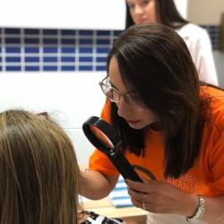Médicos dermatologistas realizam atendimento voluntário em Campanha contra câncer de pele.